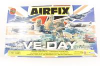 VE-DAY 60th Anniversary set - missing paints and glue - Pre-owned - Like new