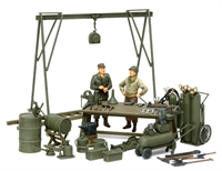 US Maintainance Yard with Figures
