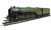 "Class A2 4-6-2 526 ""Sugar Palm"" in LNER lined apple green."