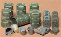 Jerry Cans set with 6 drums, 9 US jerry cans, 9 German jerry cans and 4 buckets