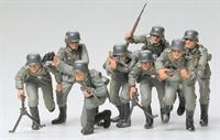 German Assault Troops with 8 figures