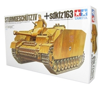 German Sturmgeschutz IV (Stug 4) SdKfz 163 assault gun with figure