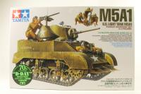 M5A1 with 4 Figures - Pre-owned - Like new
