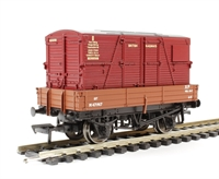 3 plank wagon in BR bauxite with BD container in BR crimson