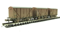Triple pack 12 Ton BR plywood fruit van BR bauxite early - weathered