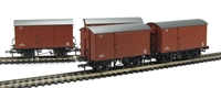 Pack of 4 12 Ton ventilated van with planked ends in BR bauxite (early)