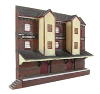 Low-relief bonded warehouse (112 x 23 x 90mm)