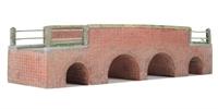 Stream Road Bridge (162 x 55 x 40mm)