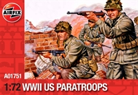 WWII US Paratroops in various poses (48)