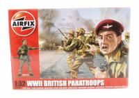WWII British Paratroops in assorted poses (14)