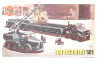 Airfield Recovery Set with Coles Mk.7 crane and Queen Mary trailer with RAF marking transfers - Pre-owned - Like new