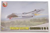 English Electric Canberra B(I)8 with RAF, RNZAF and SAAF marking transfers - Pre-owned - imperfect box
