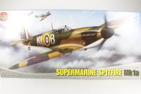 Supermarine Spitfire MkIa with RAF marking transfers - Pre-owned - imperfect box, no transfers