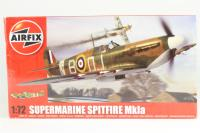 Supermarine Spitfire MK1a with RAF marking transfers. - Pre-owned - Like new - factory sealed