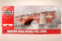 Narrow Road Bridge - Full Span.    - Pre-owned - Like new