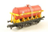6 wheel milk tanker in Satlink red/yellow - Limited edition for Model Rail Magazine - Pre-owned - Like new
