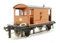 20 Ton Brake Van in LNER brown with working rear light