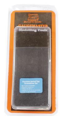 Model Railway screwdriver set including small tweezers