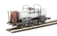 3-axle Tank Wagon with Brake Cab DR Ep.III