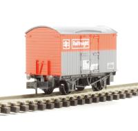 Box Van BR Railfreight in red