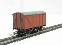 Ventilated van in red oxide (Thomas the Tank range)