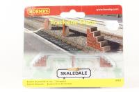 Trackside Steps (Victoria Station) - Pre-owned - Like new
