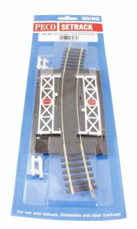 Curved (No.4 Rad.) Level Crossing, complete with 2 ramps & 4 gates