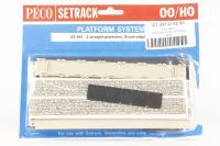 Stone platform (pack of 2) - Pre-owned - Poor packaging
