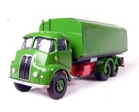 Thorneycroft 6-wheel tanker in green
